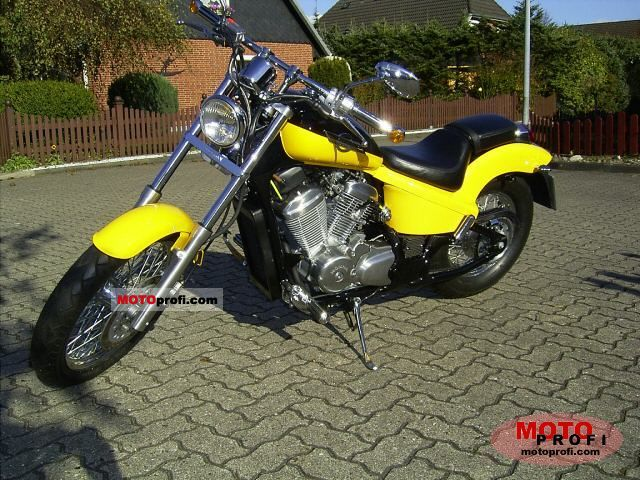 Honda VT 600 C Shadow 1997 photo