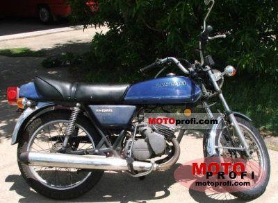 Kawasaki KH 125 1977 photo