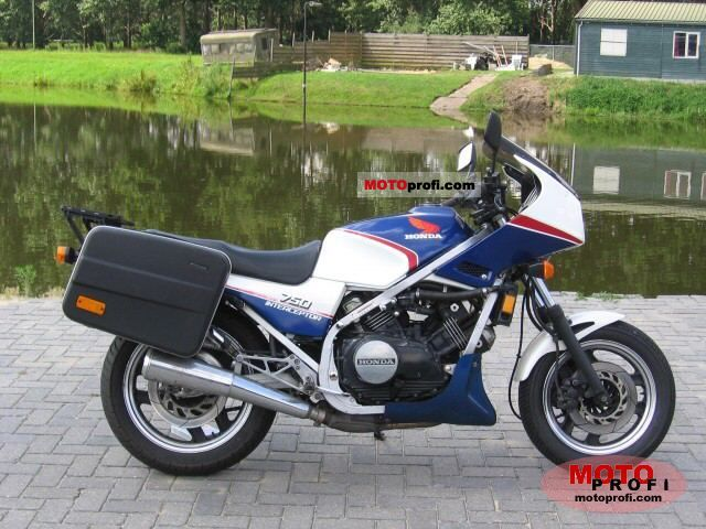 Honda VF 750 F 1984 photo