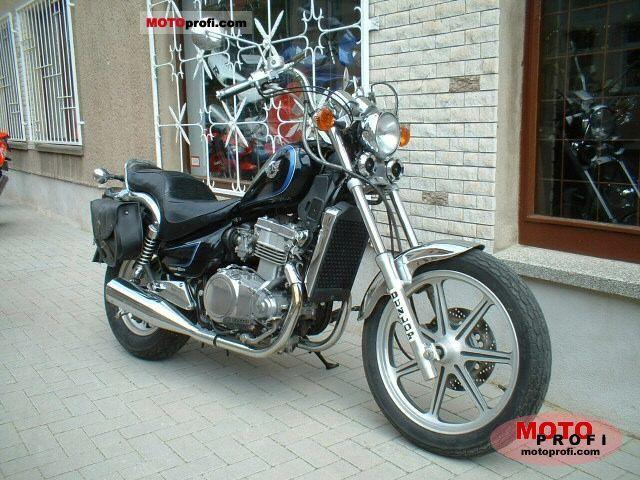 Kawasaki EN 500 1990 photo