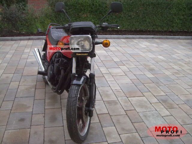 Kawasaki GPZ 400 1983 photo