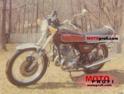 Kawasaki 500 H 1 Mach III 1974 photo