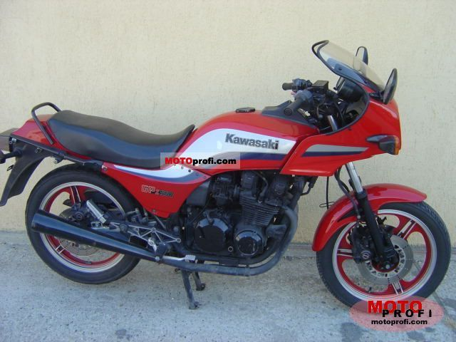 Kawasaki GPZ 550 1982 photo