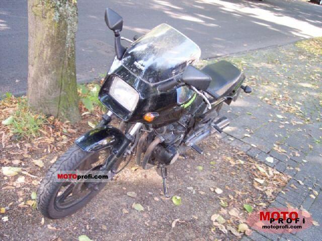 Kawasaki GPZ 550 1984 photo