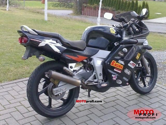 Honda NSR 125 1999 photo