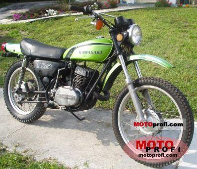 Kawasaki 250 F 11 1972 photo