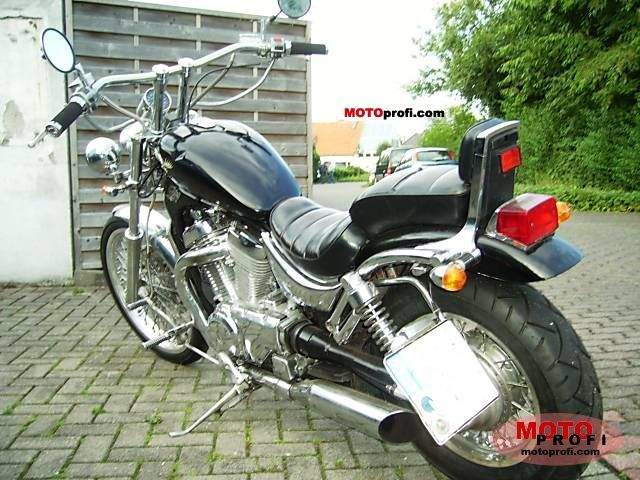 Suzuki VS 750 Intruder 1988 photo