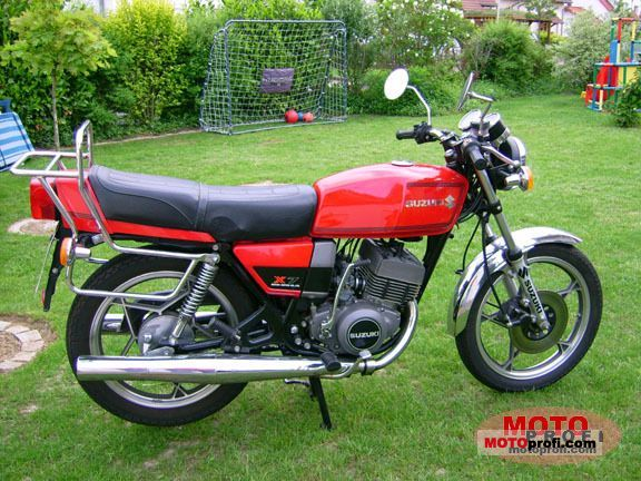 Suzuki GT 250/X 7 1978 photo