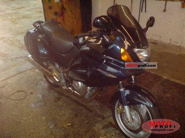 Honda NT 650 V Deauville 2000 photo