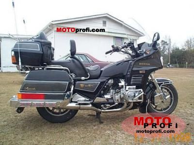 Honda GL 1200 DX Gold Wing 1987 photo