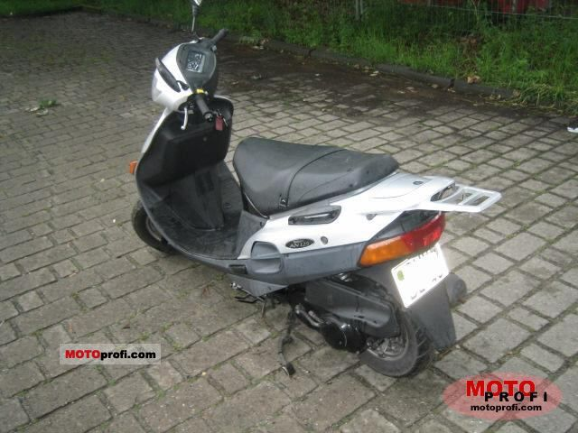 Suzuki AN 125 1998 photo