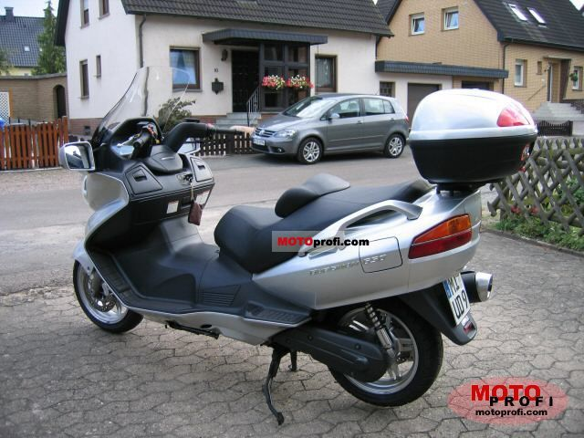 Suzuki AN 650 Burgman 2003 photo