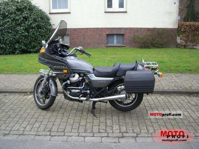 Honda GL 650 1984 photo