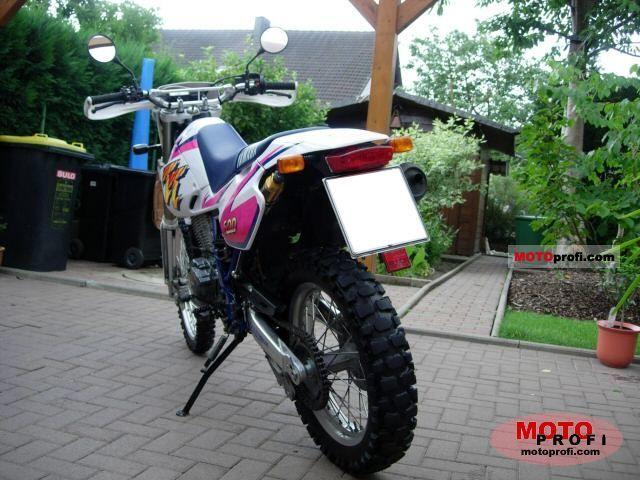 Yamaha TT 600 S 1997 photo
