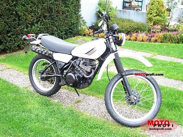 Yamaha XT 250 1986 Specs and Photos