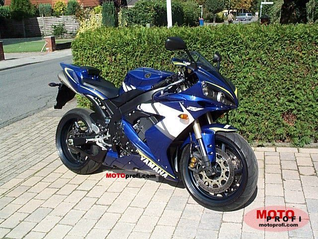 Yamaha YZF-R1 2005 photo