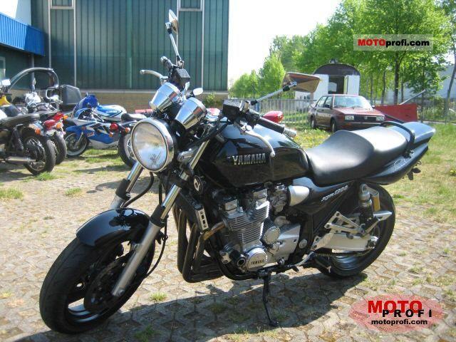 Yamaha XJR 1300 2002 photo