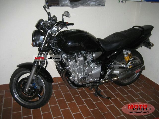 Yamaha XJR 1300 2004 photo
