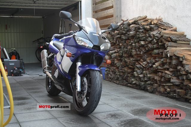 Yamaha YZF-R6 2002 photo