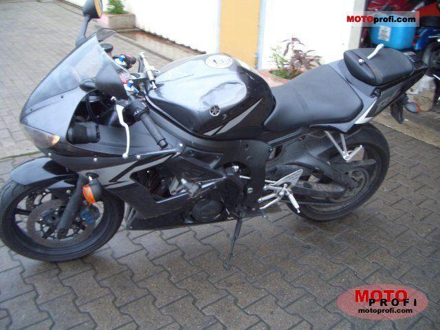 Yamaha YZF-R6 2005 photo