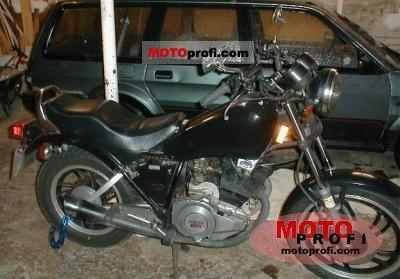 Yamaha XS 400 Special 1981 photo