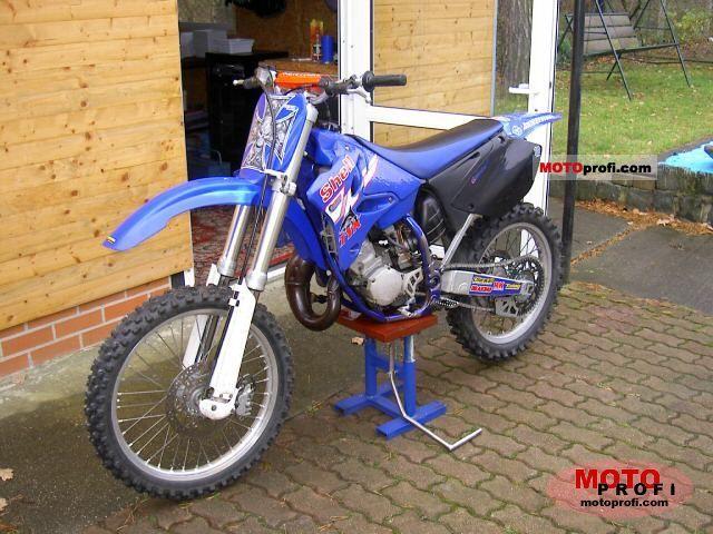 Yamaha YZ 125 2002 photo