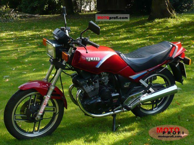 Yamaha XS 400 DOHC 1982 photo