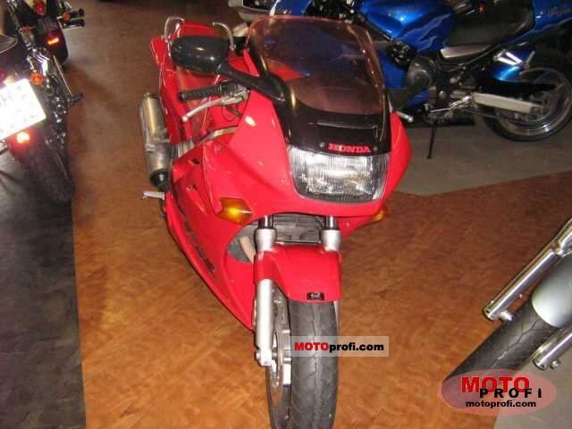 Honda VFR 750 F 1996 photo