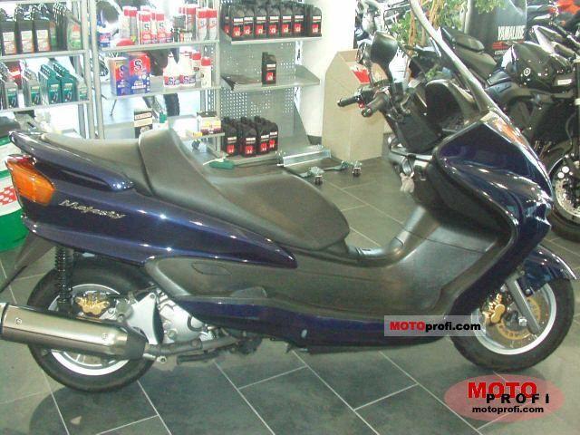 Yamaha YP Majesty 250 2000 photo
