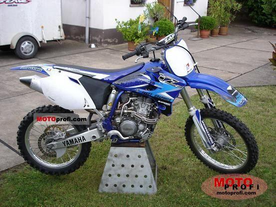 Yamaha YZ 250 F 2004 photo