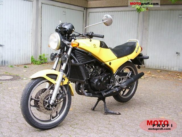 Yamaha RD 350 LC YPVS 1983 photo