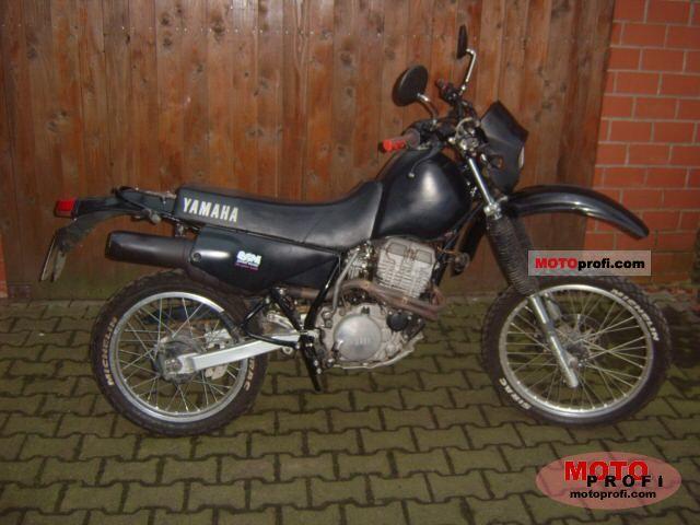 Yamaha XT 350 1985 photo