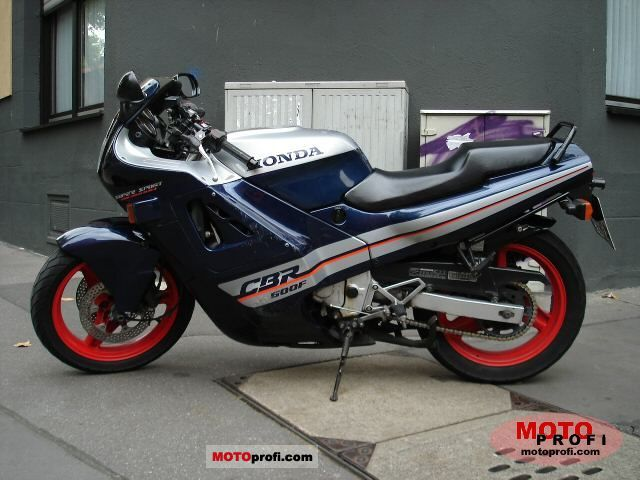 Honda CBR 600 F 1988 photo