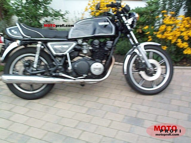 Yamaha XS 750 1977 photo