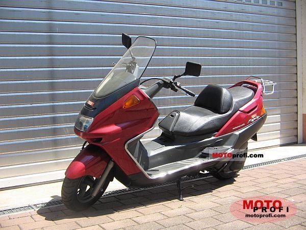 Yamaha YP 250 1997 photo