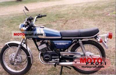 Yamaha RD 200 1975 photo