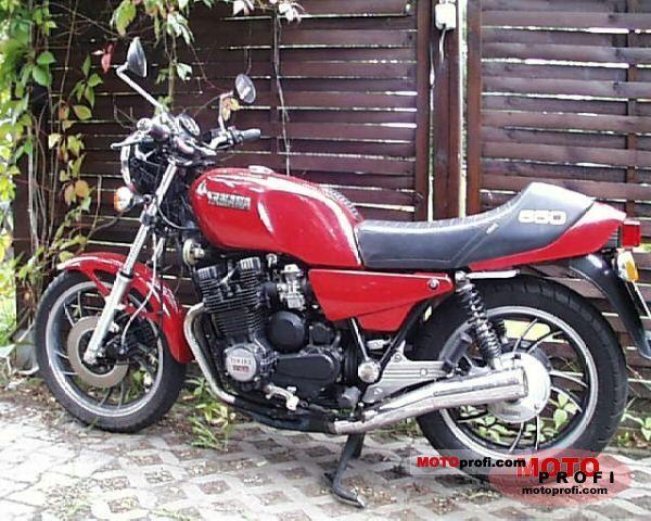 Yamaha XJ 650 1982 photo