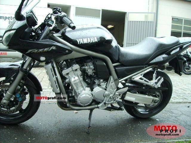 Yamaha FZS 1000 Fazer 2001 photo