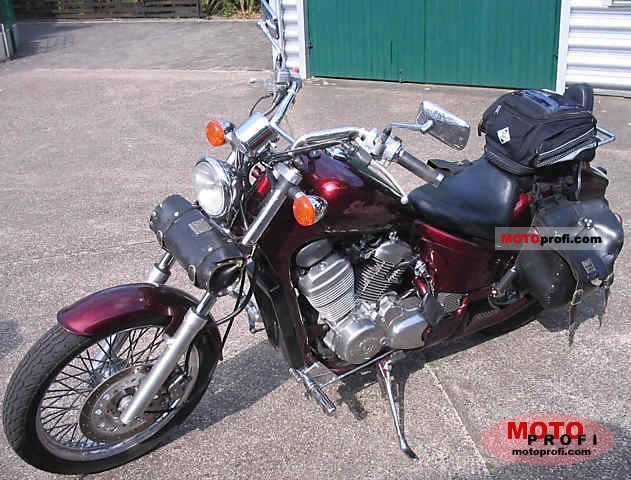 Honda VT 600 C 1988 photo