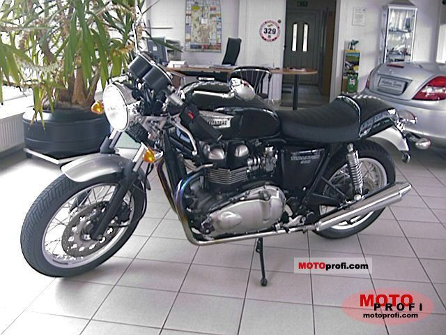 Triumph Thruxton 900 2005 photo