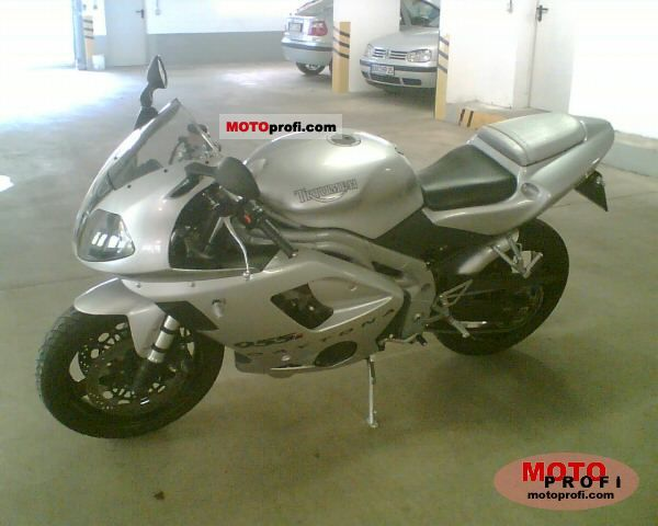 Triumph Daytona 955i 2002 photo