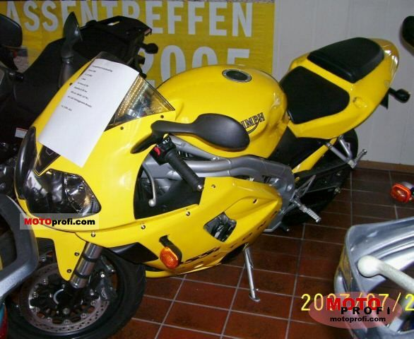 Triumph Daytona 955i 2003 photo