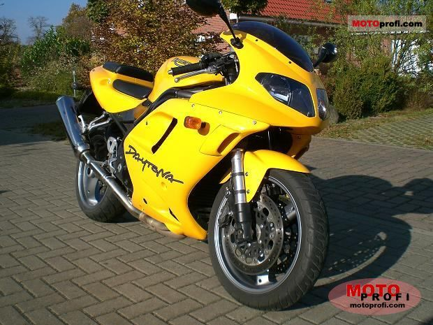 Triumph Daytona 955i 2005 photo