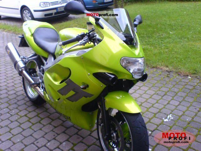 Triumph TT 600 2002 photo
