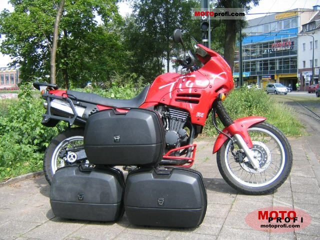 Triumph Tiger 900 1995 photo