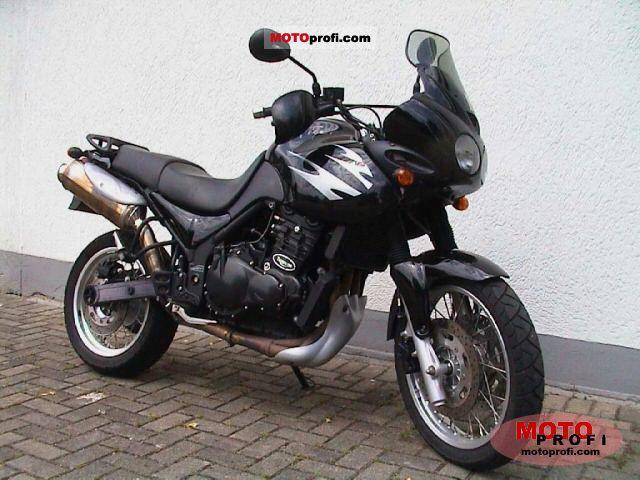 Triumph Tiger 2000 photo