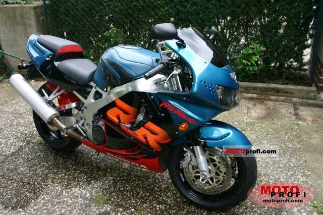 Honda CBR 900 RR 1999 photo