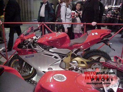 MV Agusta F4S 2000 photo