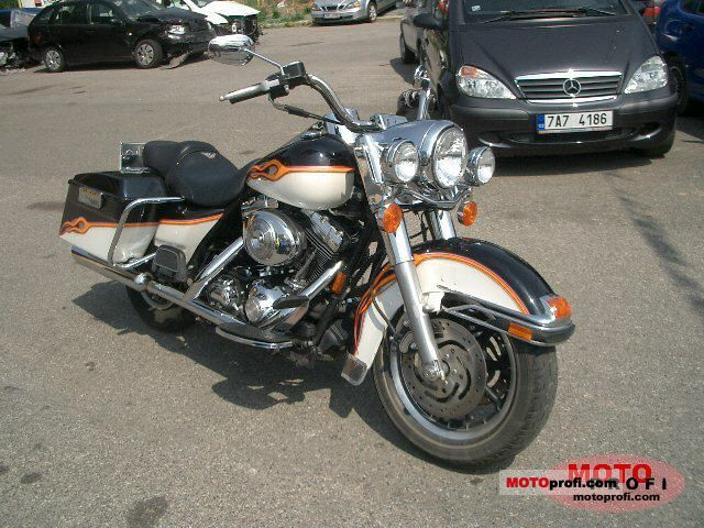 Harley-Davidson FLHRCI Road King Classic 2004 photo