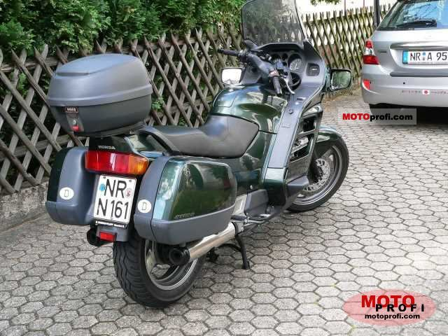 Honda ST 1100 Pan European 1992 photo
